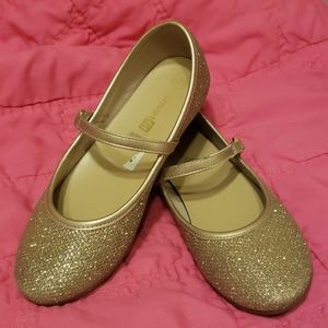Girls gold flat shoes size 12 1/2
